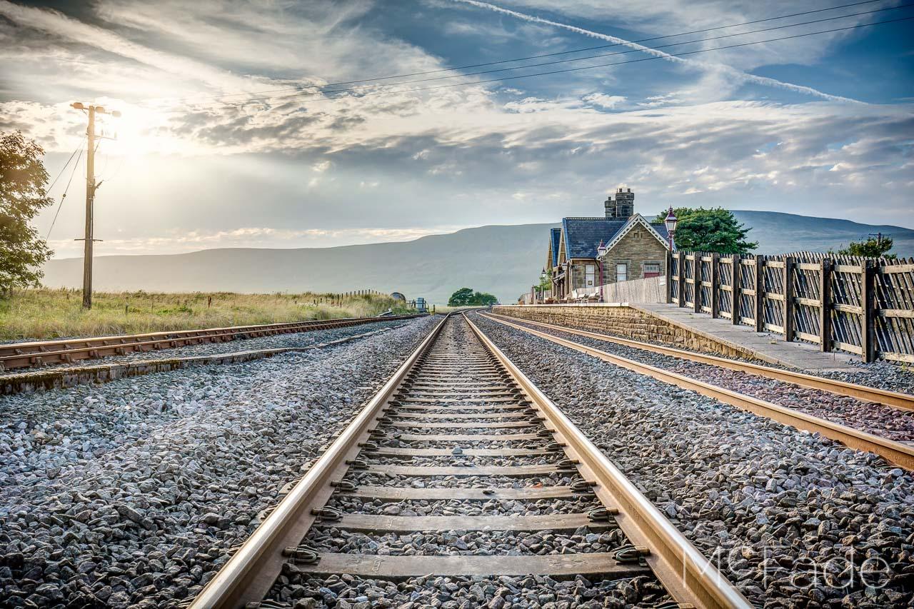 ribblehead-station-whernside-ribblesdale-yorkshire-landscape-212_3_4